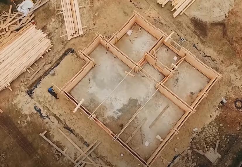Стройплощадка под двойной брус